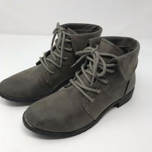 Cliffs by Blue Mountain grey booties